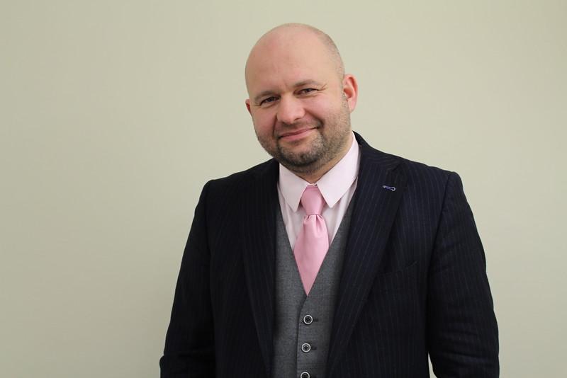 Денис Цепов о работе врача-гинеколога в Лондоне